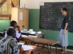 Teaching_in_Nzara_1